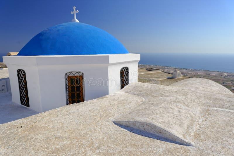 Kyrka med den blåa kupolen royaltyfri foto