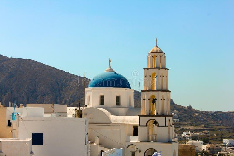 Kyrka med den blåa kupolen royaltyfria foton