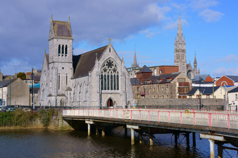 Kyrka med tornet, Drogheda, Irland royaltyfri bild