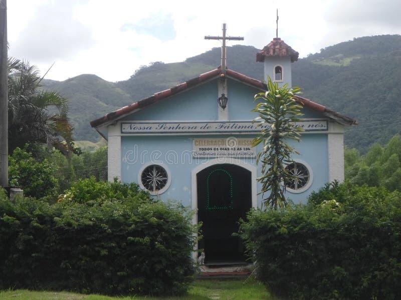 Kyrka på vägen Miguel Pereira arkivbilder
