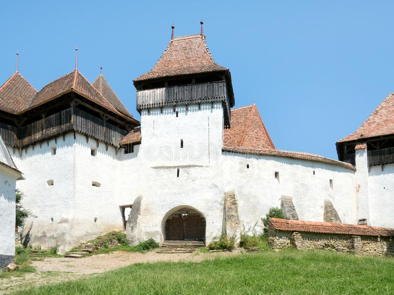 kyrka stärkt romania transylvania viscri arkivfoto