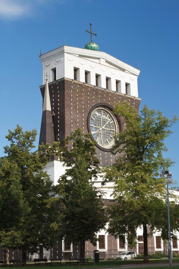 Kyrkan av den mest sakrala hjärtan av vår Herre i Prague arkivbilder
