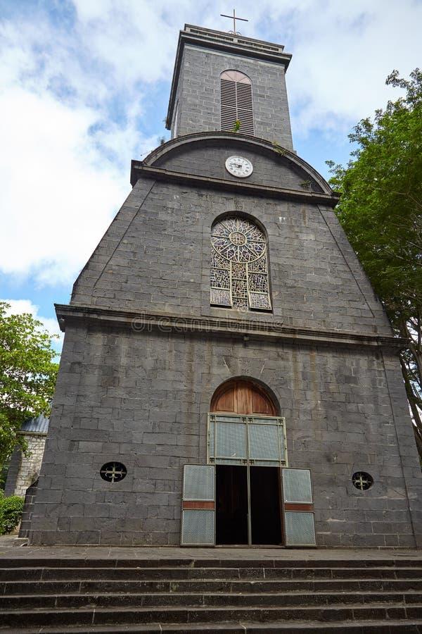 Kyrkan byggdes av den vulkaniska stenen arkivfoton
