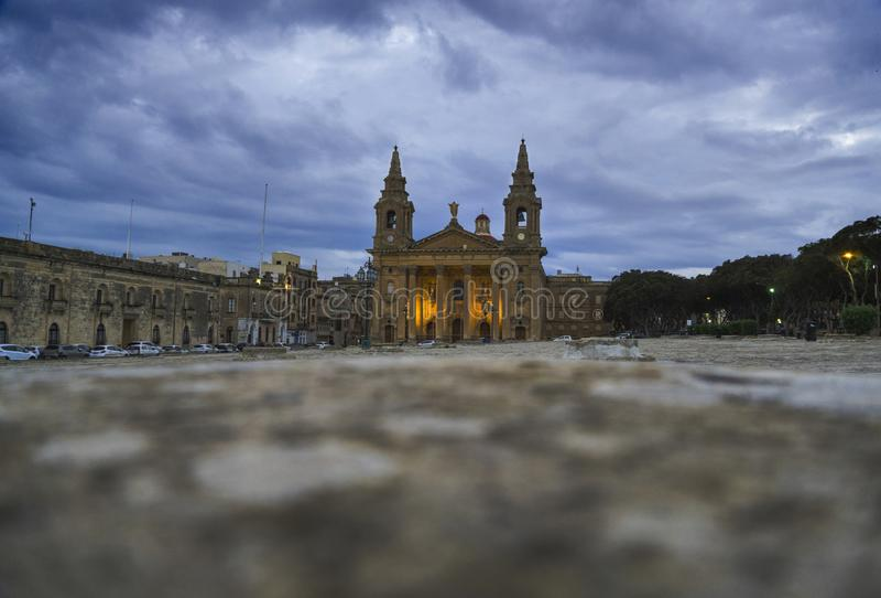 Kyrkan eller Floriana Parish Church för helgonPublius församling royaltyfri bild