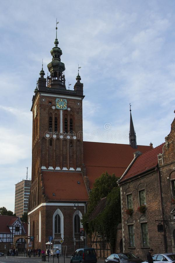 Kyrkan för ` s för St Catherine är den äldsta kyrkan i Gdask, Polen arkivbild