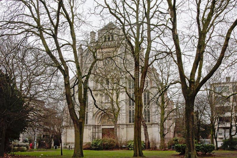Kyrkan för St Anne ` s och parkerar, Ghent, Flanders, Belgien royaltyfria bilder