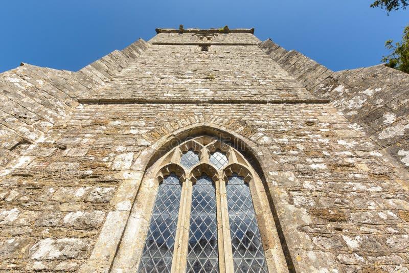 Kyrkan för St Christopher ` s - stå högt den låga vinkeln royaltyfri bild
