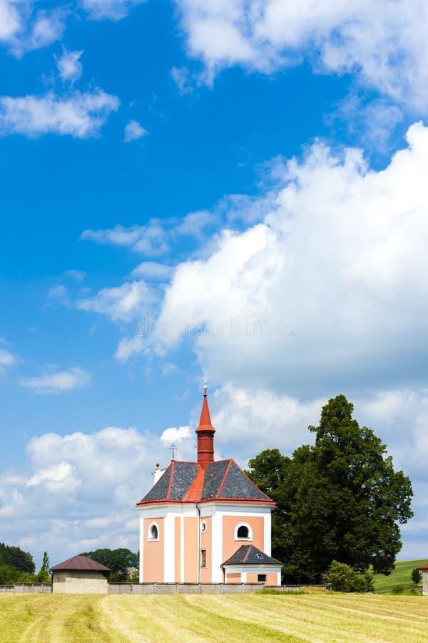 kyrkan Saint Ann, Pusta Kamenice, Tjeckien fotografering för bildbyråer