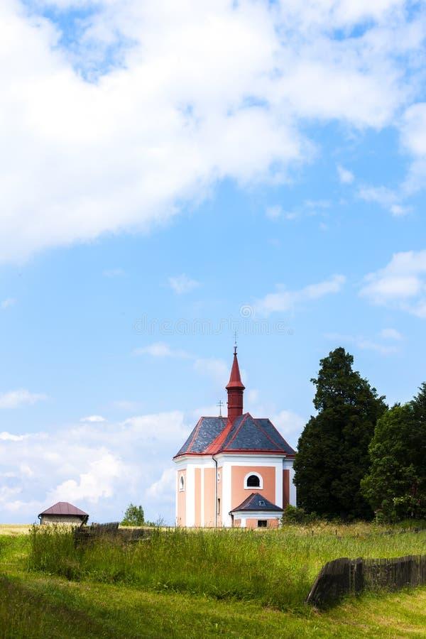 kyrkan Saint Ann, Pusta Kamenice, Tjeckien royaltyfria bilder