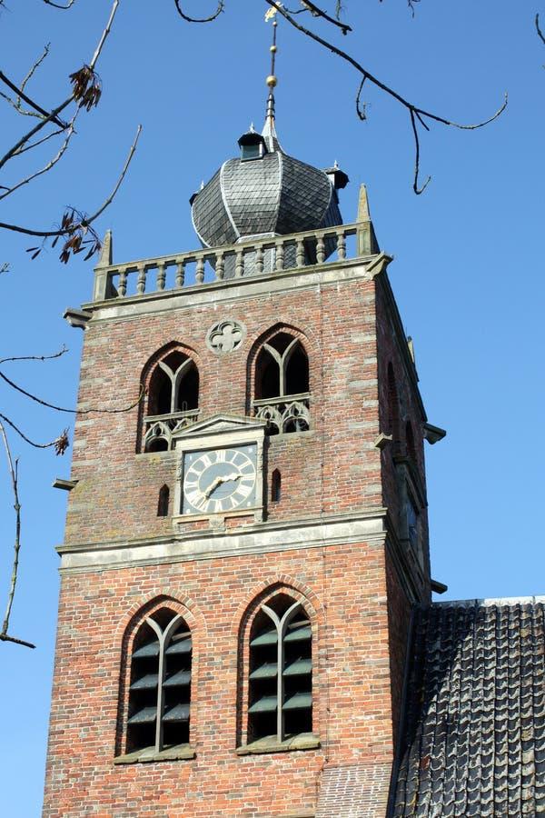 Kyrkan står hög royaltyfria foton