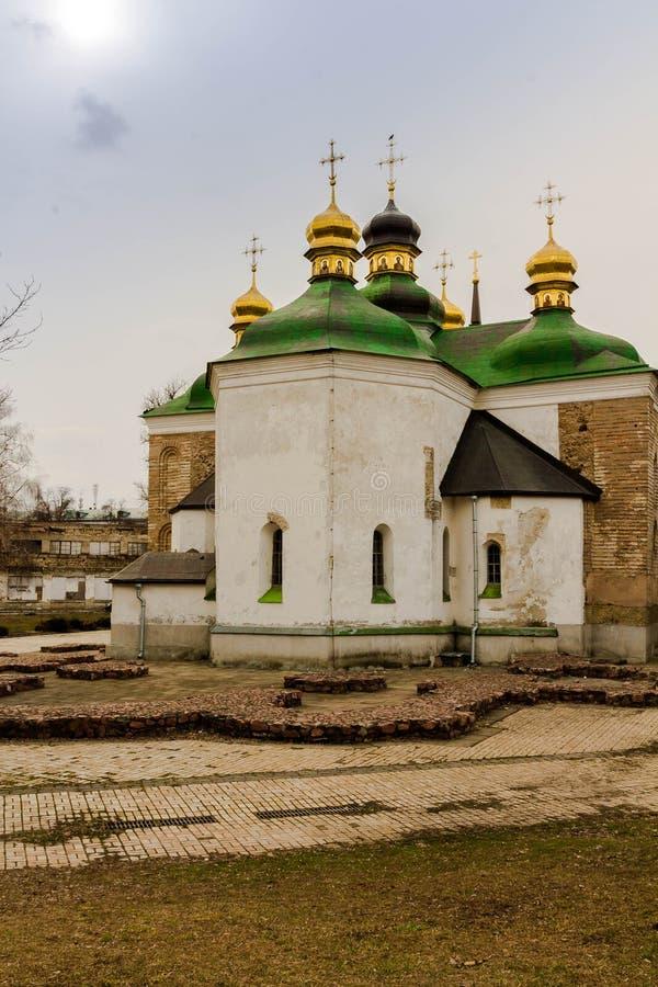 Kyrkan var han är den begravde Kyiv prinsen Yuri Dolgoruky Yuri Dolgoruky grundare av Moskva Kyiv arkivfoto