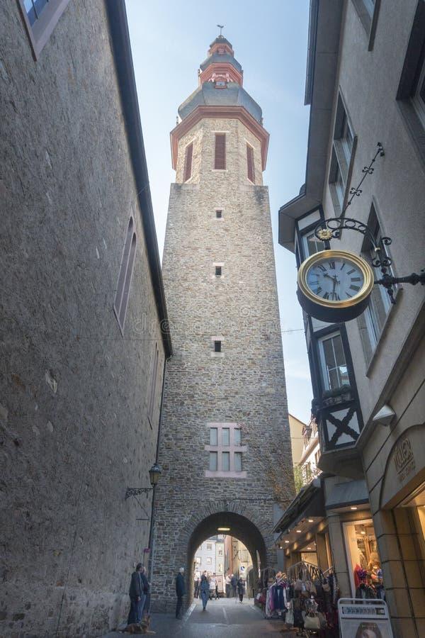 Kyrkatorn, Cochem, Tyskland arkivfoto