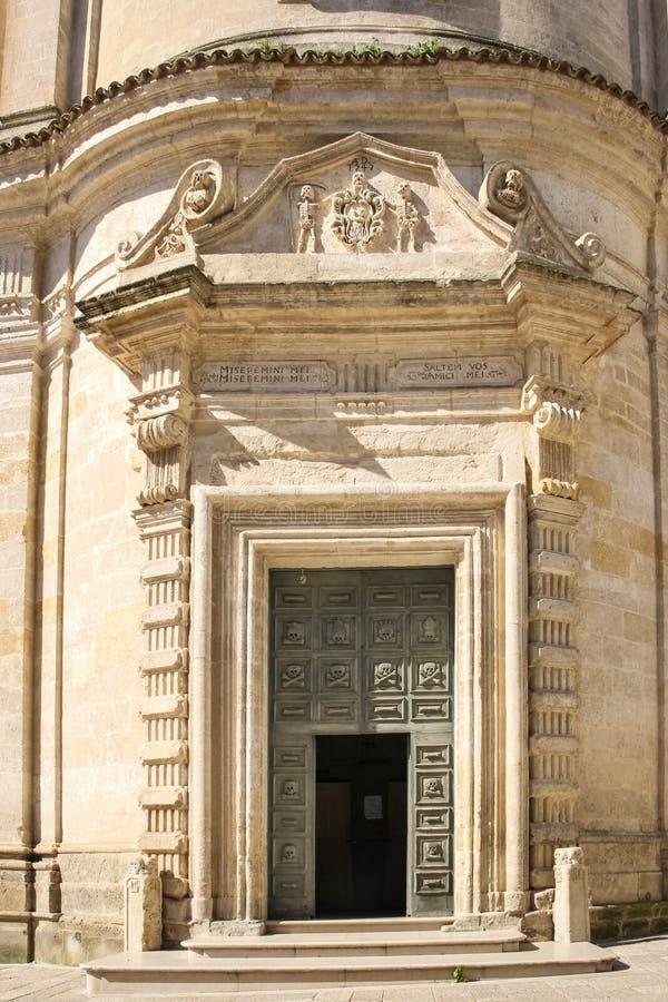 kyrklig colle del palo för apulia skärseld Matera Basilicata Apulia italy arkivbild
