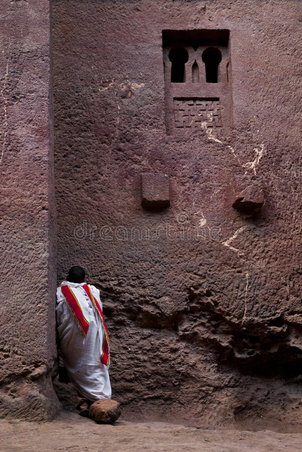 kyrklig coptic ethiopia lalibelapräst royaltyfri foto