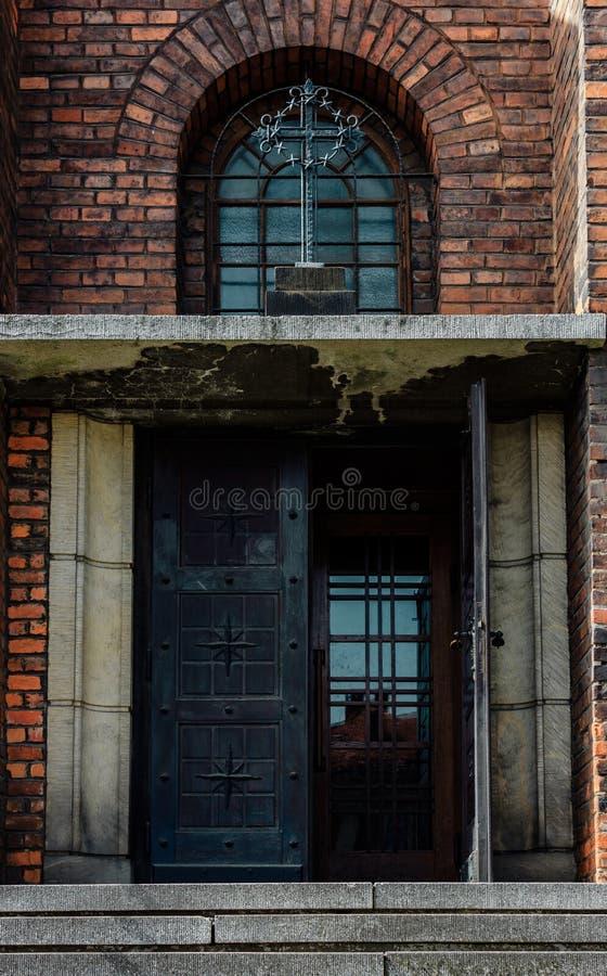kyrklig dörr royaltyfri fotografi