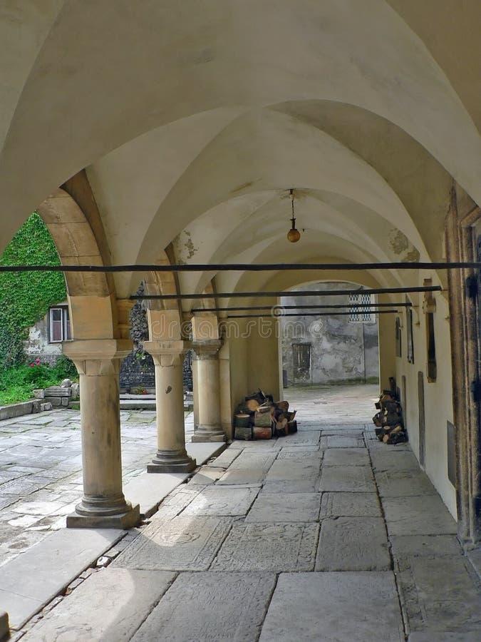 kyrklig domstolgård royaltyfria foton