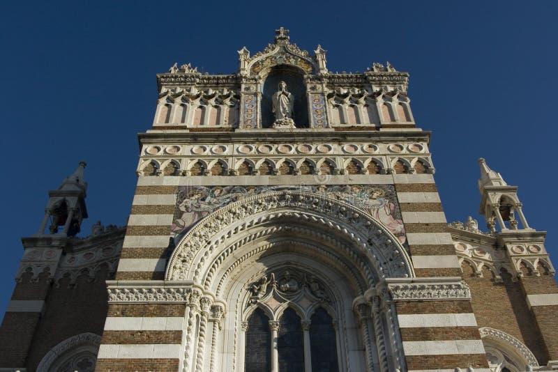 kyrklig facadeframdel fotografering för bildbyråer