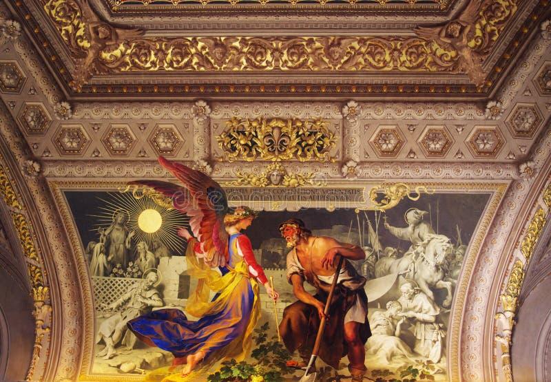kyrklig guld- interior arkivfoton