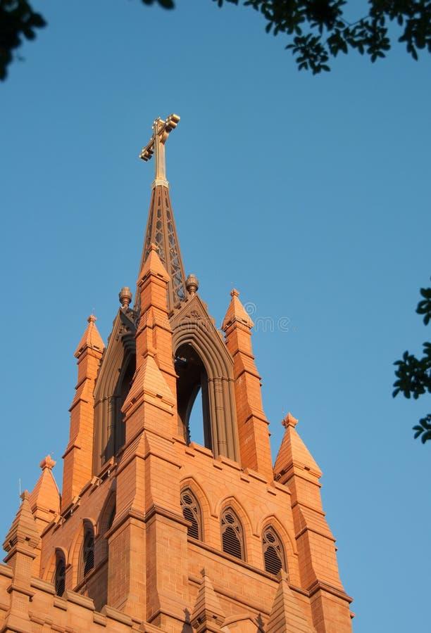 kyrklig kyrktorn royaltyfria bilder