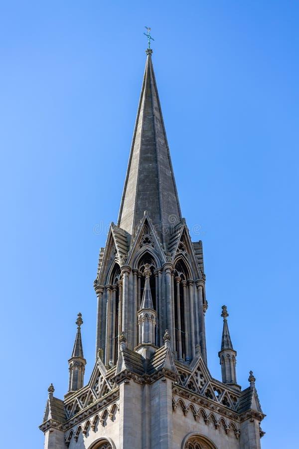 Kyrklig kyrktorn och tornspira fotografering för bildbyråer