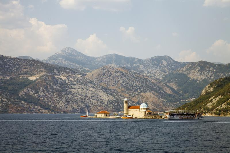 kyrklig lady våra rocks fjärdkotor montenegro royaltyfri bild
