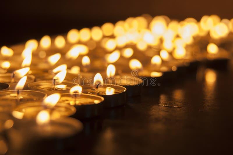 Kyrklig stearinljus royaltyfria foton