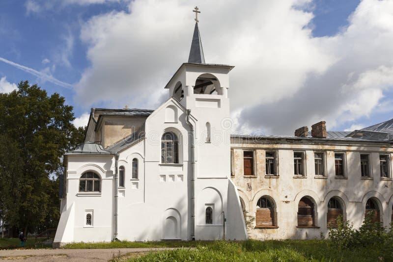 kyrklig vår kazan lady Jordbruks- koloni för högskolahus Izvara Leningrad region Ryssland royaltyfri fotografi
