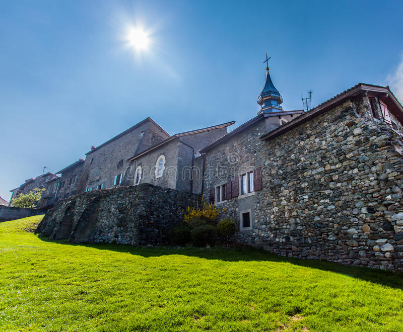 kyrklig yvoire för torn för france pancrasst fotografering för bildbyråer