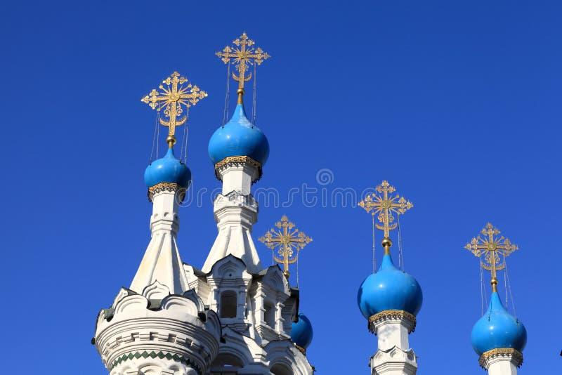 kyrkliga cupolas fem royaltyfri fotografi