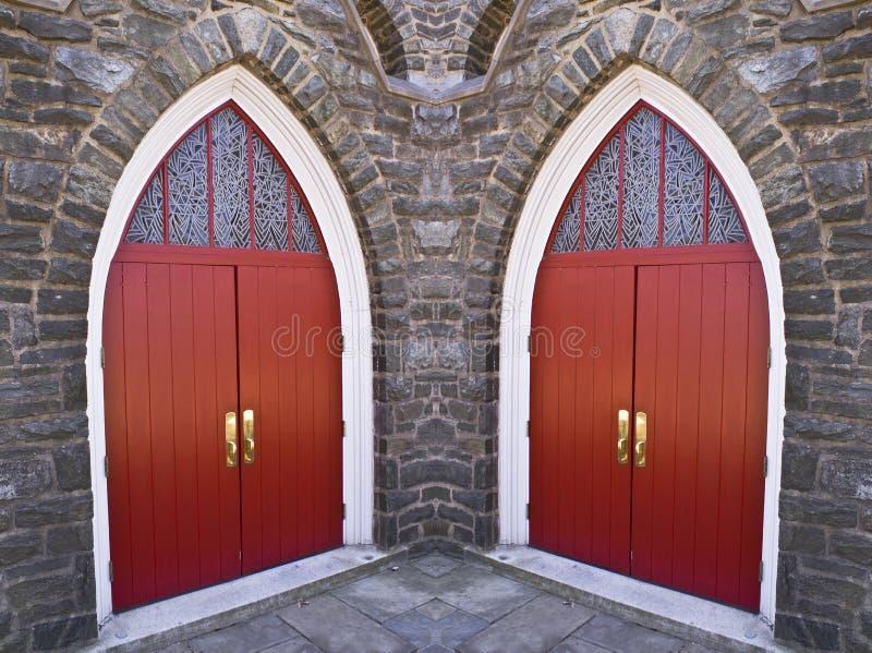 kyrkliga dörrar fotografering för bildbyråer