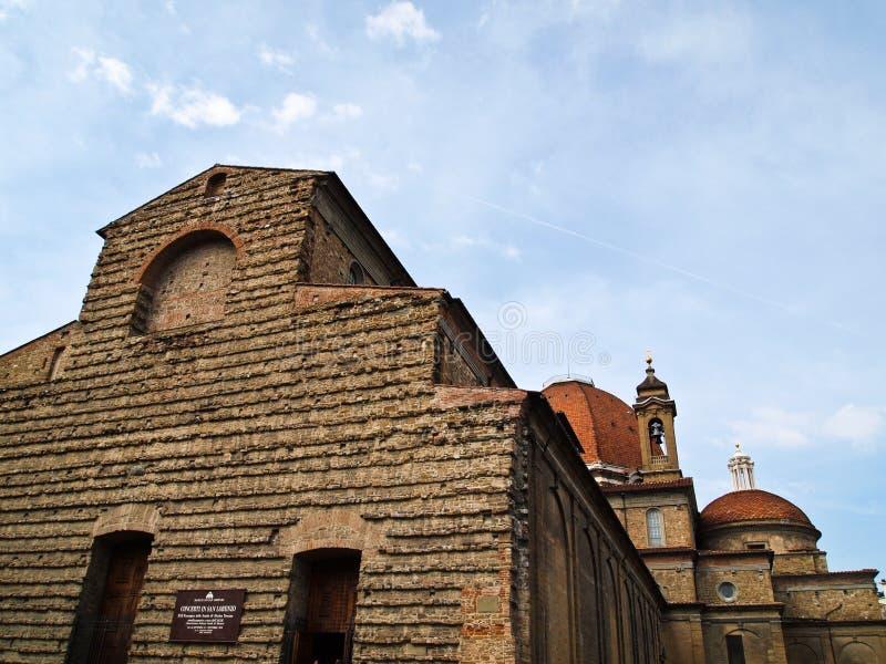 kyrkliga florence italy lorenzo san royaltyfria foton