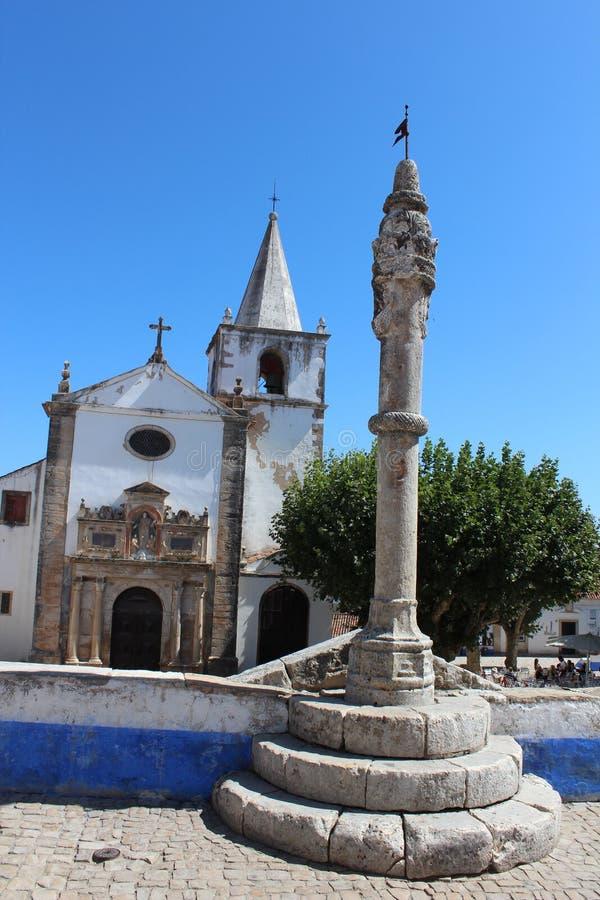 kyrkliga maria obidos portugal santa Helgedom symbol royaltyfri foto