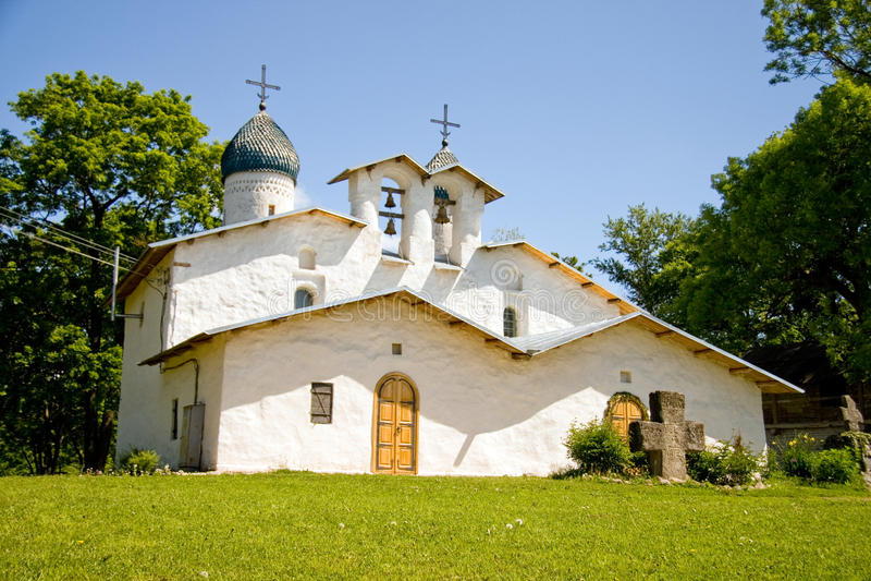 kyrkliga pskov russia royaltyfria foton