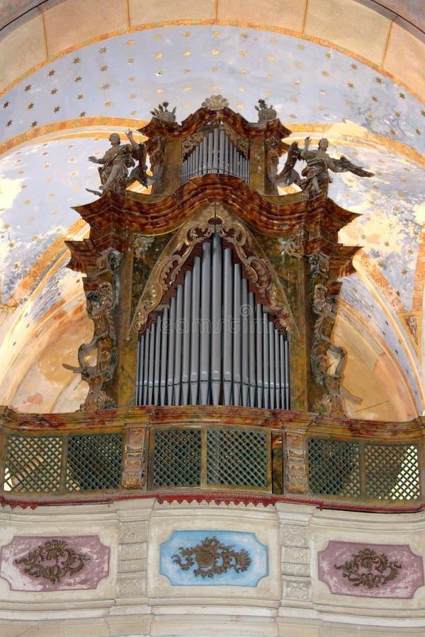 Kyrkliga rörorgan för antikvitet royaltyfri bild