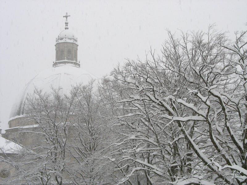 Download Kyrkliga snowfall arkivfoto. Bild av italy, alpin, kallt - 993920