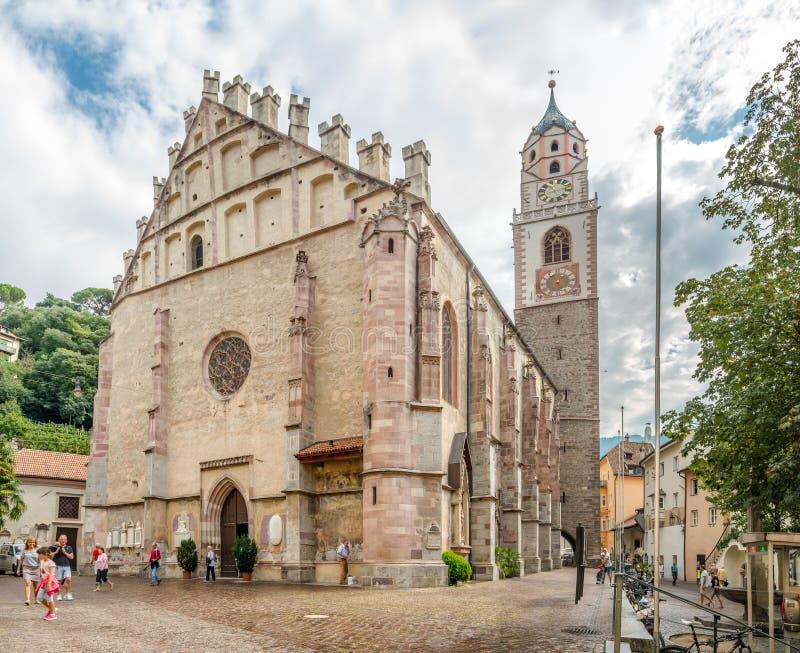 Kyrkliga StNicholas av Merano royaltyfri bild