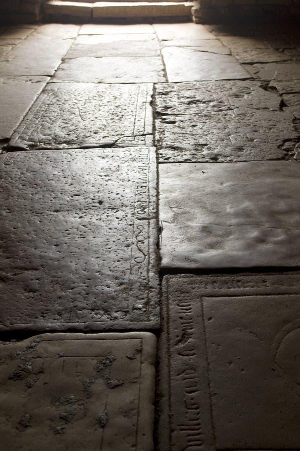 kyrkligt golv medeltida france royaltyfri bild