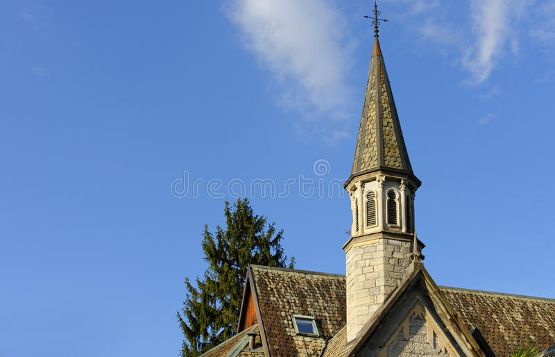 Kyrkligt torn, Como sjö royaltyfri fotografi
