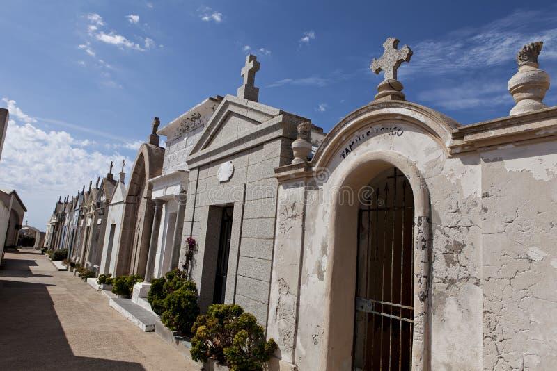 Kyrkogård av Bonifacio arkivbild