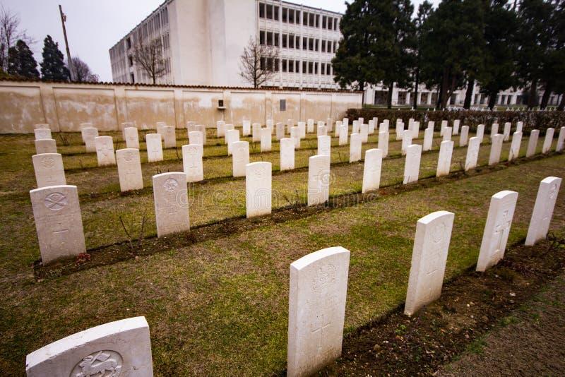 Kyrkogård av det stupat i krig fotografering för bildbyråer