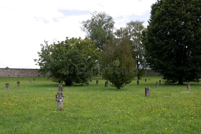 Kyrkogård av Mauthausen - Österrike arkivfoton