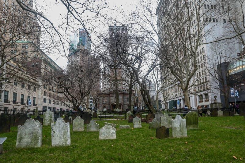 Kyrkogård för Treenighetkyrka royaltyfria foton
