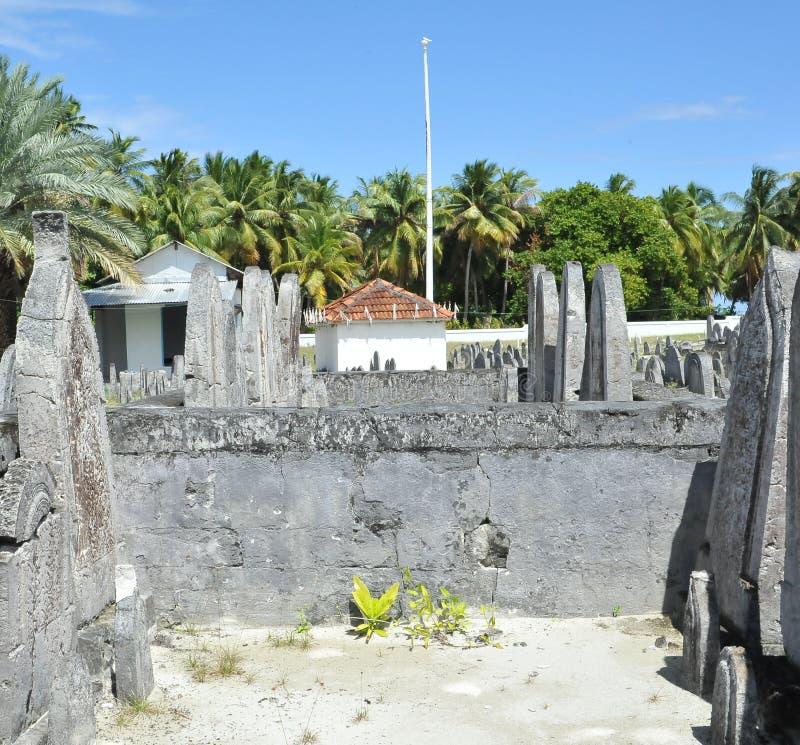 Download Kyrkogård i Maldiverna arkivfoto. Bild av gravstenar - 27277112