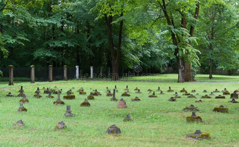 Kyrkogård i Narva royaltyfria foton