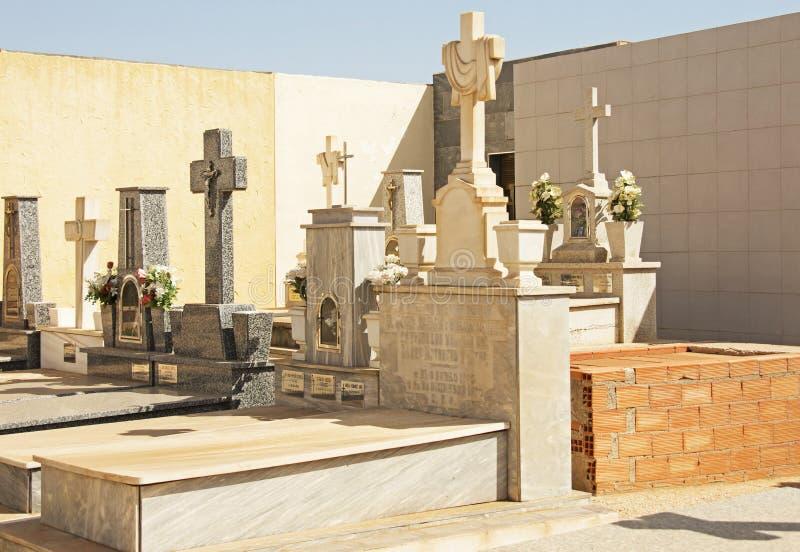 Kyrkogård i Spanien royaltyfria bilder