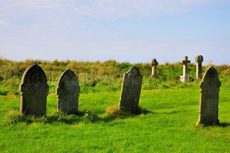 Kyrkogård - mytiska Tintagel, Cornwall arkivfoton