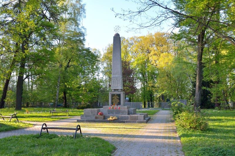 Kyrkogården av sovjet tjäna som soldat i Pszczyna, Polen arkivfoton