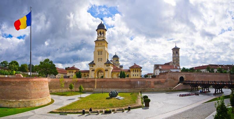 Kyrkor av Alba Iulia, Rumänien royaltyfri fotografi