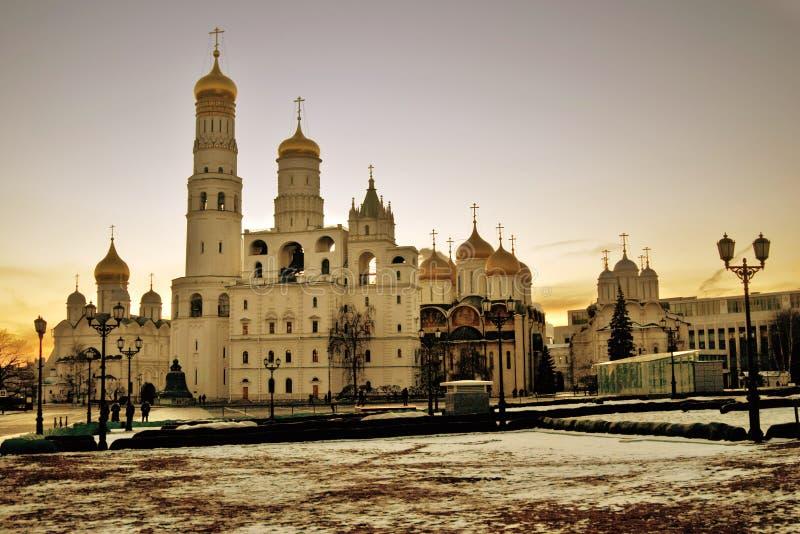 Kyrkor av MoskvaKreml Färgfoto royaltyfri fotografi