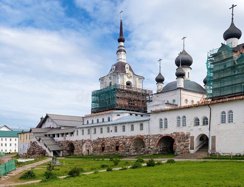 Kyrkor i den Solovetsky kloster, Ryssland arkivbilder